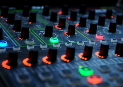 slide-music-09-mixing-desk-modern