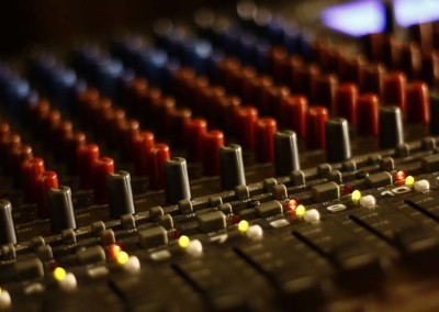 slide-music-17-mixing-desk-knobs