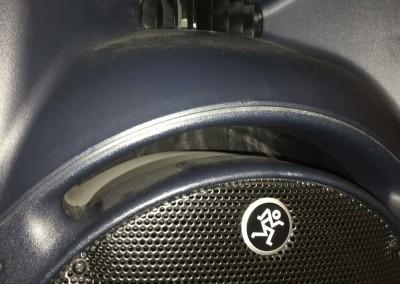 slide-music-speaker
